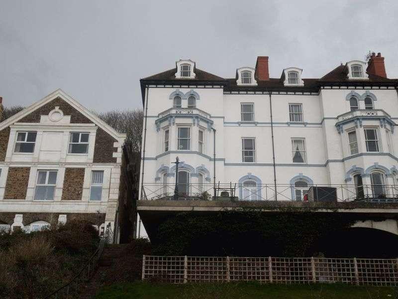 2 Bedrooms Flat for sale in Kipling Court, Westward Ho!