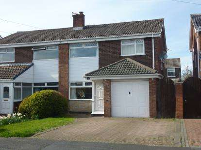 3 Bedrooms Semi Detached House for sale in Hamble Drive, Penketh, Warrington, Cheshire
