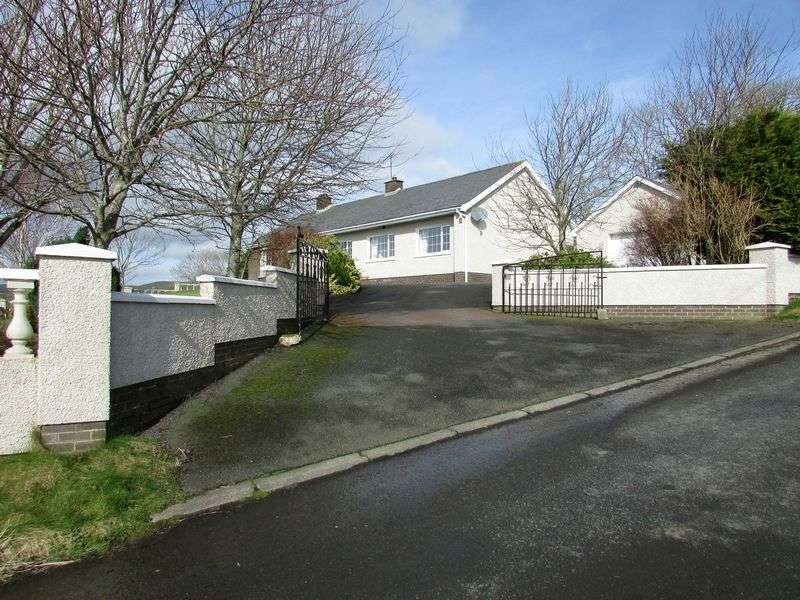 4 Bedrooms Detached Bungalow for sale in Rural Detached Bungalow
