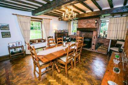 5 Bedrooms Detached House for sale in Cynwyd, Corwen, Denbighshire, North Wales, LL21
