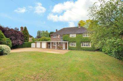 5 Bedrooms Detached House for sale in Biddenham Turn, Biddenham, Bedford, Bedfordshire
