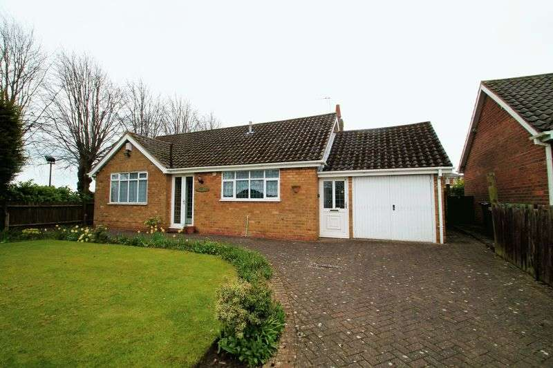 2 Bedrooms Detached Bungalow for sale in Park Drive, Wolverhampton