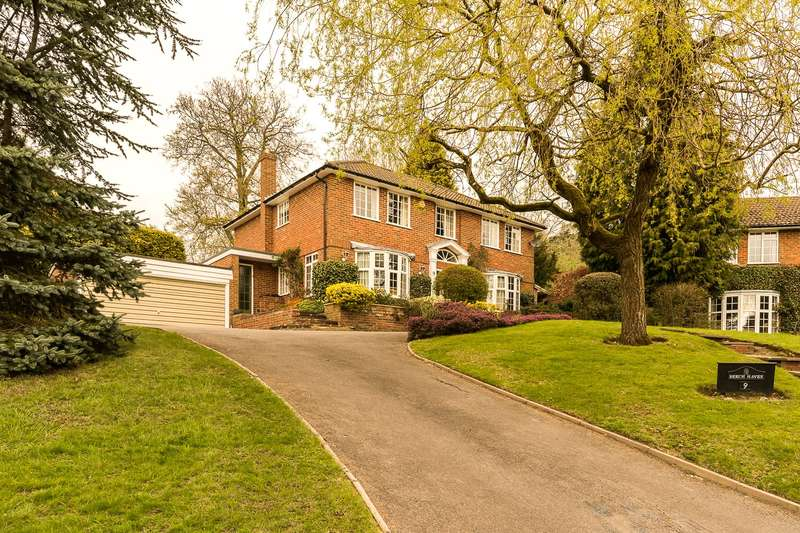 4 Bedrooms Detached House for sale in Huntersfield Close, Reigate, RH2
