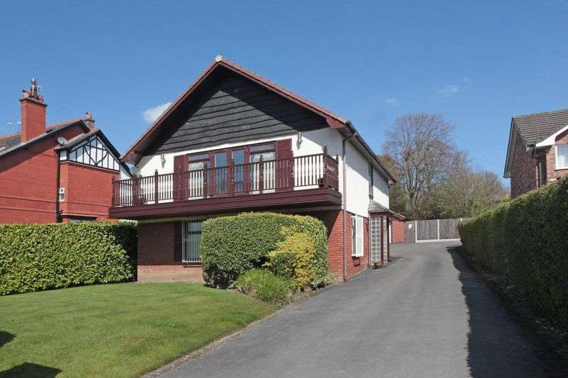 4 Bedrooms Detached House for sale in Bower Road, Hale