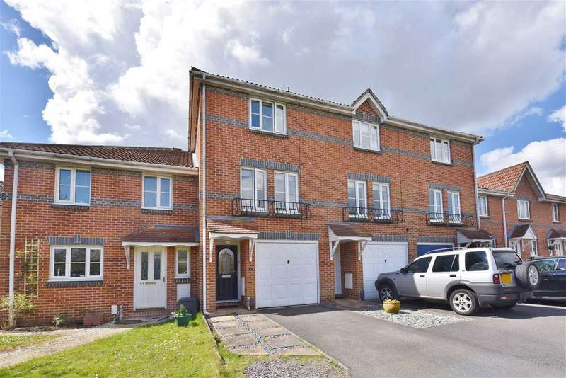 3 Bedrooms Town House for sale in SAFFRON WAY, WHITELEY