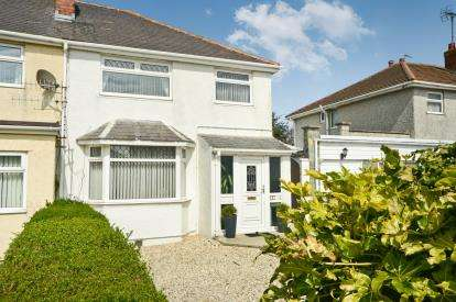 3 Bedrooms Semi Detached House for sale in London Road, Holyhead, Sir Ynys Mon, ., LL65