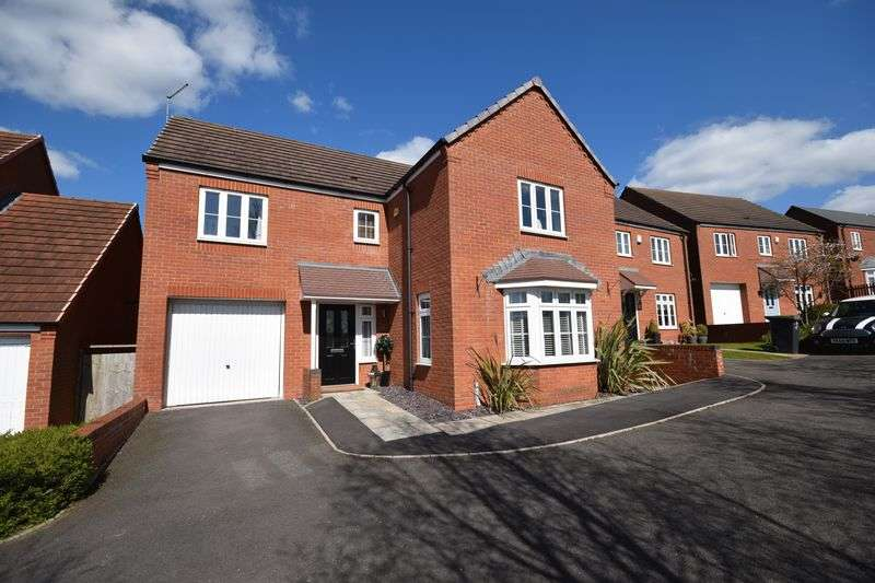 4 Bedrooms Detached House for sale in Waverley Drive, Norton Heights