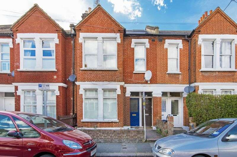 3 Bedrooms Flat for sale in Three bedroom split level Edwardian Maisonette.
