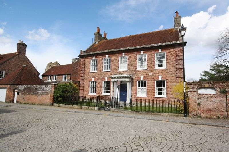 6 Bedrooms Detached House for sale in BEAUTIFUL LANDMARK HOME IN HISTORICAL CHRISTCHURCH TOWN CENTRE