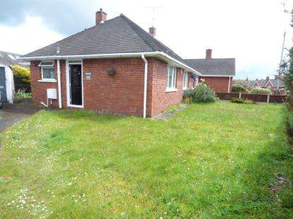 1 Bedroom Bungalow for sale in Windermere Road, Wrexham, Wrecsam, LL12