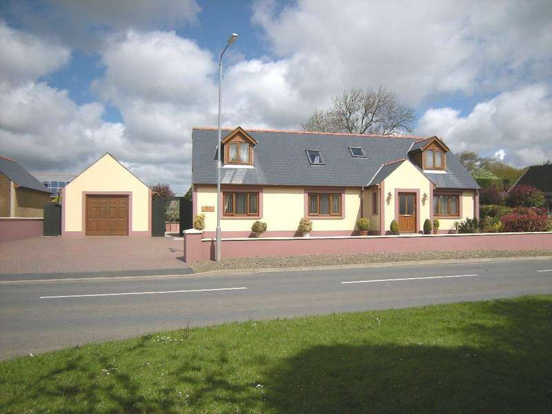 4 Bedrooms Detached Bungalow for sale in Kellay House, New Road:, Freystrop, Haverfordwest