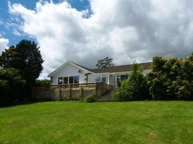 3 Bedrooms Detached Bungalow for sale in Peppers Green, Robeston Wathen, Narberth, Pembrokeshire