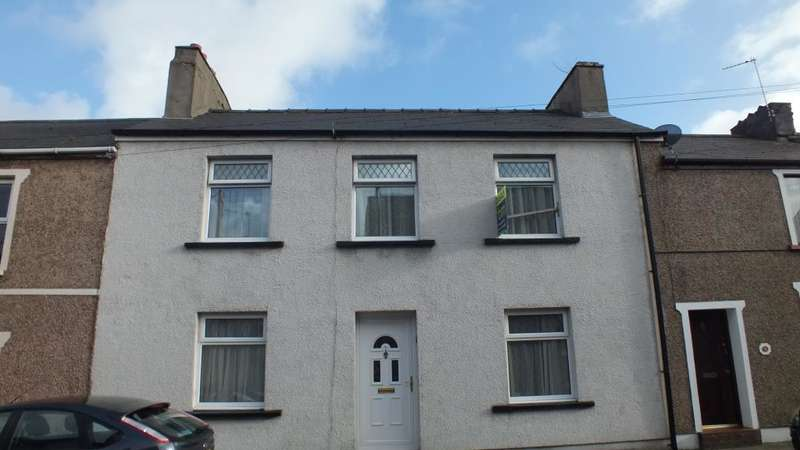 3 Bedrooms Terraced House for sale in Clarence Street, Pembroke Dock, Pembrokeshire
