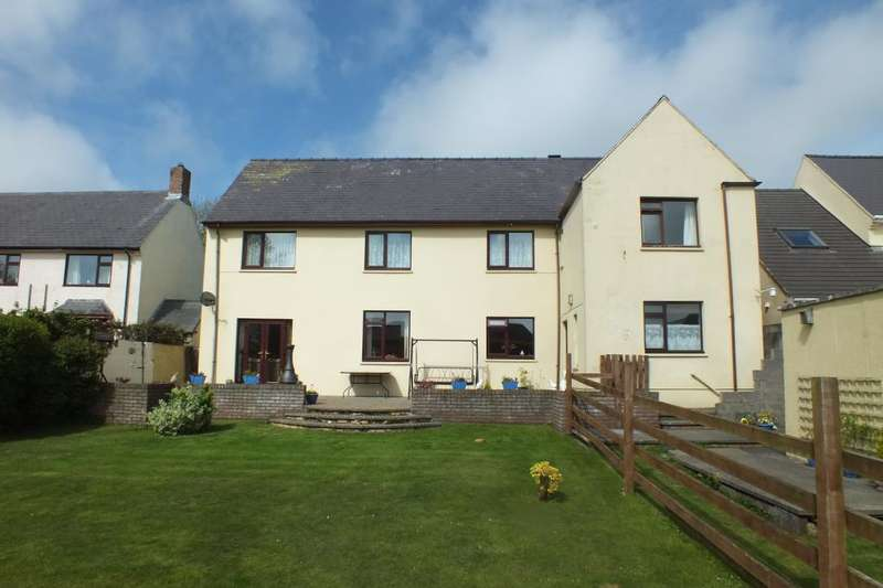 6 Bedrooms Detached House for sale in Buttermilk Close, Pembroke, Pembrokeshire