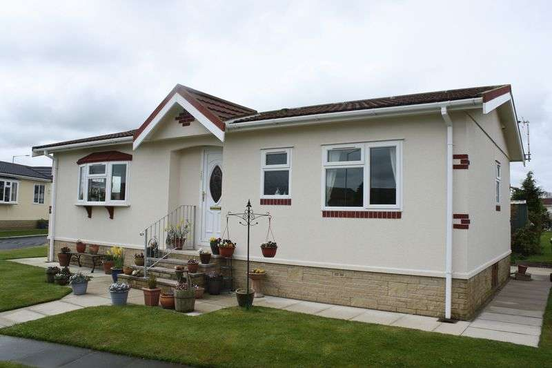 2 Bedrooms Bungalow for sale in Wyre Vale Park, Garstang, Preston, PR3-1PY