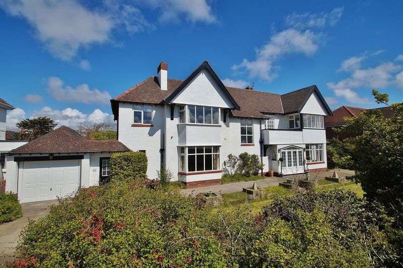 5 Bedrooms Detached House for sale in Selworthy Road, Southport