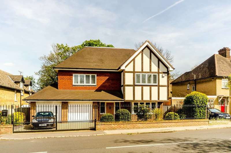 6 Bedrooms Detached House for sale in Scotts Lane, Beckenham, BR2