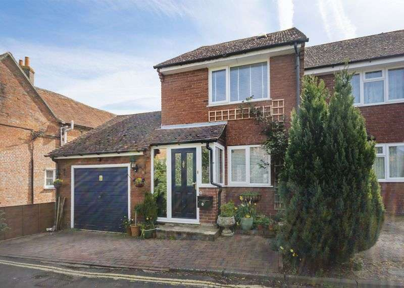2 Bedrooms House for sale in Anchor Yard, Kingsclere