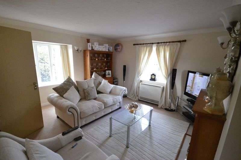 2 Bedrooms Retirement Property for sale in Dukes Court, Jenner Close, Verwood