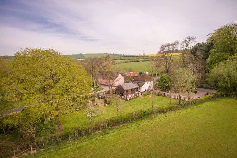 2 Bedrooms Detached House for sale in Creedy Bridge, Crediton