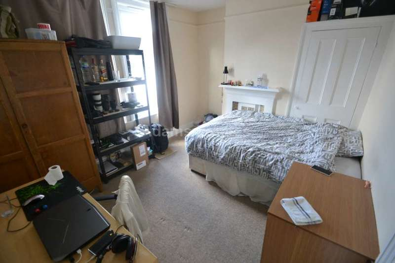 6 Bedrooms End Of Terrace House for rent in Cholmeley Road, Reading