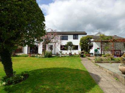 4 Bedrooms Detached House for sale in Bryn Seion Lane, Sychdyn, Mold, Flintshire, CH7