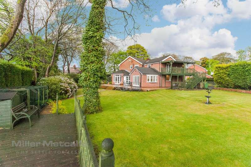 5 Bedrooms Detached House for sale in Belmont Road, Sharples, Bolton, Lancashire