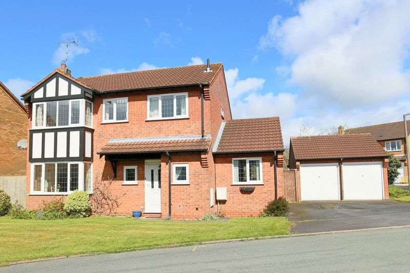 4 Bedrooms Detached House for sale in Elmwood Close, Gnosall, Stafford