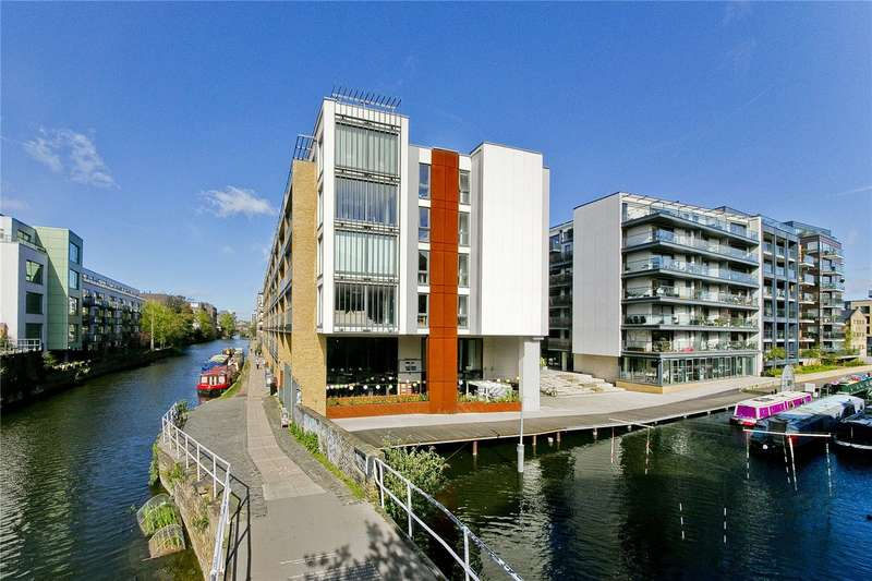 3 Bedrooms Flat for sale in Hertford Road, Hackney, N1