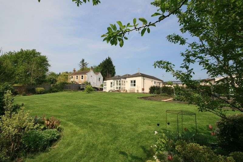 3 Bedrooms Detached Bungalow for sale in Charlcombe, Bath