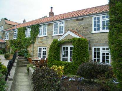 4 Bedrooms Semi Detached House for sale in Weavers Cottage, North End, Osmotherley