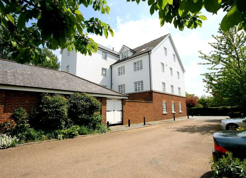 2 Bedrooms Apartment Flat for sale in 2 BED PENTHOUSE APARTMENT WITH SHARE OF FREEHOLD AND LIFT IN The Granary, Piccotts End