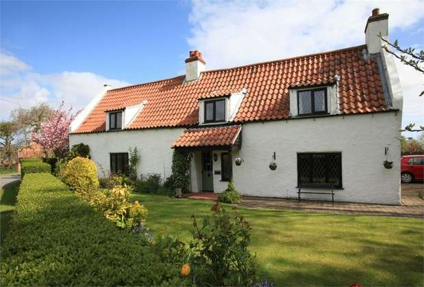 5 Bedrooms Detached House for sale in Church Lane, Conisholme, Louth, Lincolnshire