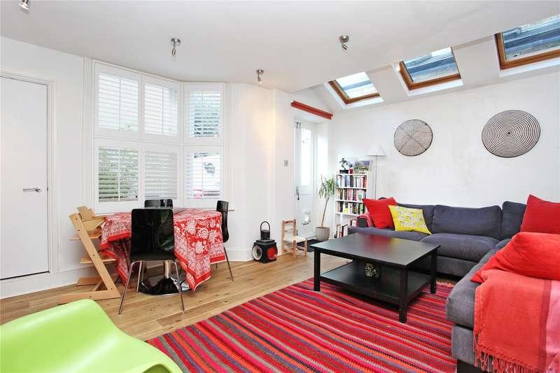 2 Bedrooms Flat for sale in Marmion Road, Battersea, London, SW11