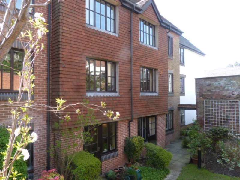 1 Bedroom Retirement Property for sale in Caburn Court, Lewes