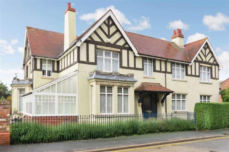 4 Bedrooms Detached House for sale in Latimer House, 16 High Street, Heckington
