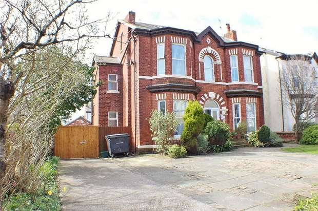 3 Bedrooms Flat for sale in 24 Alexandra Road, Southport, Merseyside
