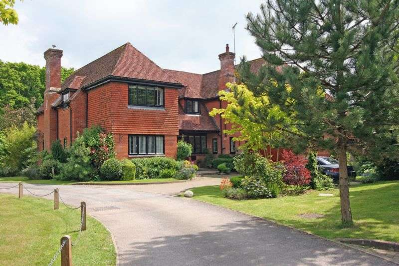 5 Bedrooms Detached House for sale in Silver Birches, Small Dole