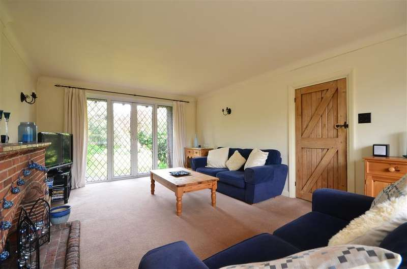 4 Bedrooms Detached House for sale in Woodland Road, Selsey, Chichester, West Sussex