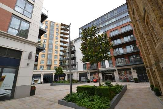 2 Bedrooms Flat for sale in Fitzroy Apartments, Dickens Yard, Ealing