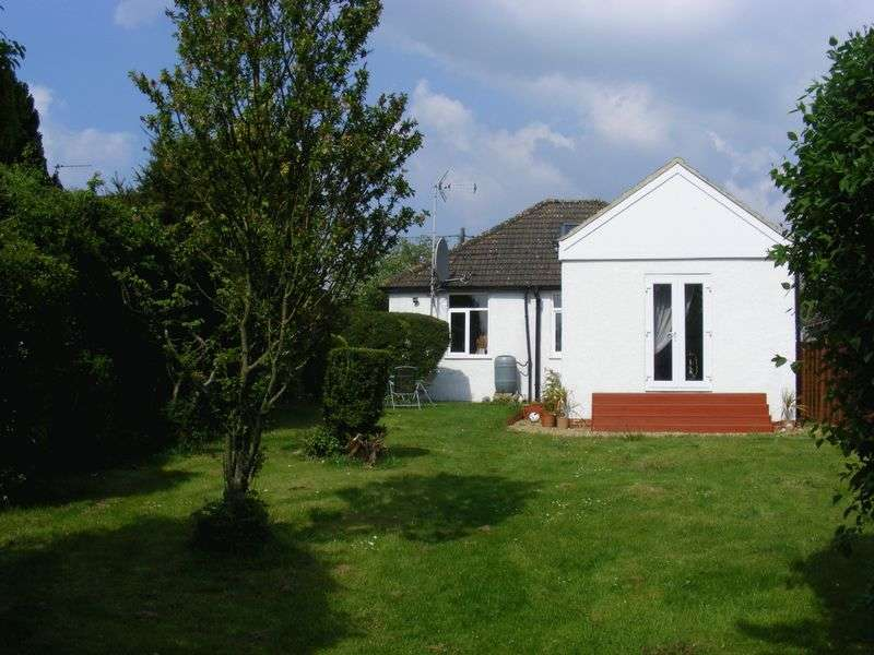 3 Bedrooms Detached Bungalow for sale in Green Lane, Radnage, Buckinghamshire