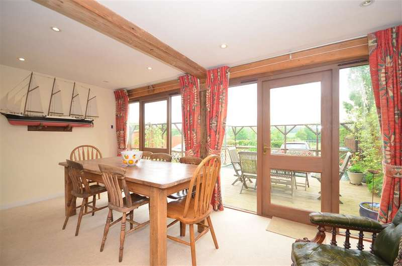 4 Bedrooms Detached House for sale in Prestwood Lane, Ifield, Crawley, West Sussex