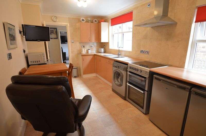 1 Bedroom Flat for sale in Burton Road, Uphill, Lincoln