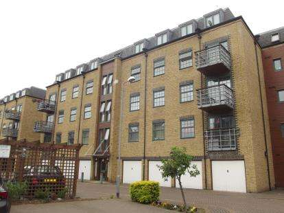 2 Bedrooms Flat for sale in 26-32 Abbey Road, Barking