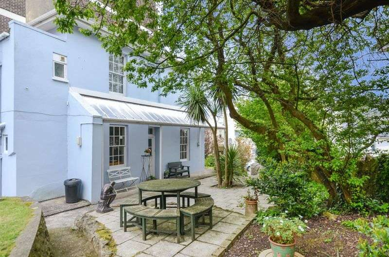 3 Bedrooms Semi Detached House for sale in Abbey Road, Torquay