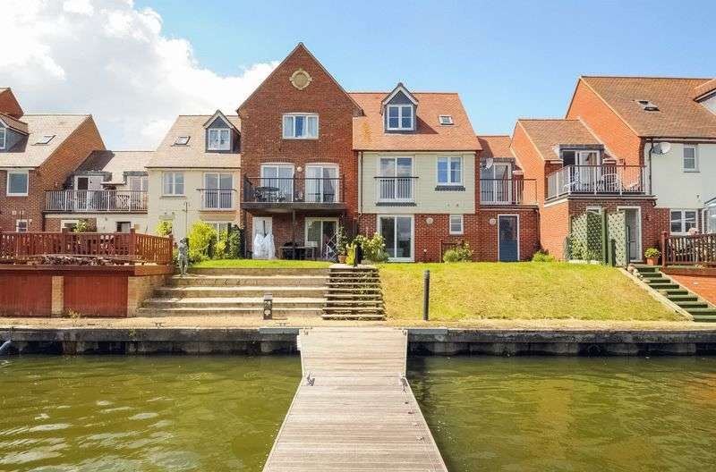 3 Bedrooms Terraced House for sale in South Quay, Abingdon