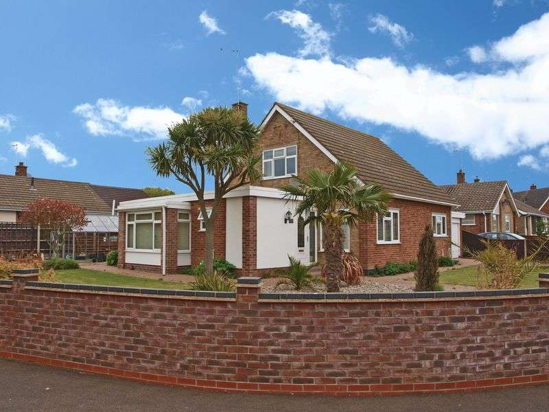 4 Bedrooms Bungalow for sale in Oulton Broad