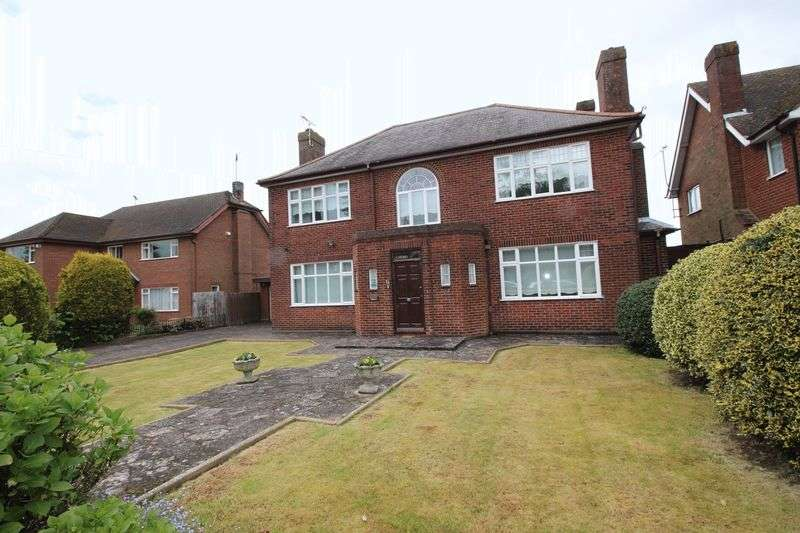 Property for sale in West Hill Road, Luton