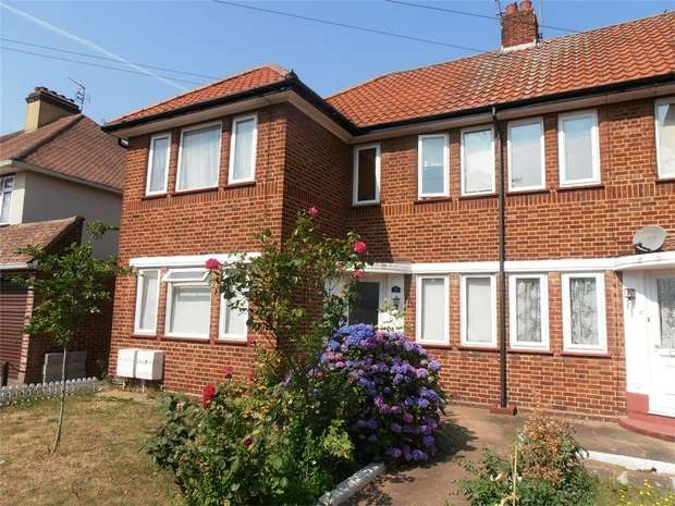 2 Bedrooms Maisonette Flat for sale in Portland Road, Ashford, Surrey