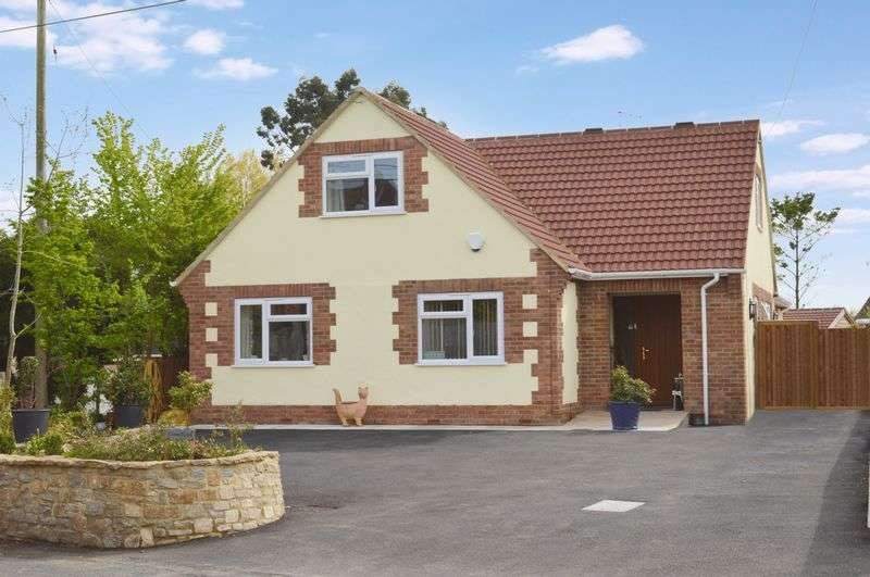 4 Bedrooms Detached House for sale in Pettridge Lane, Mere